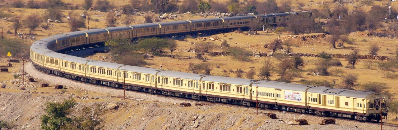 Palace on wheels luxury train travel indian railways for Best train vacations in the world